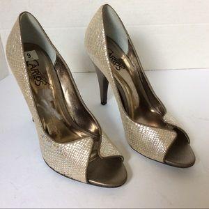 Carlos Santana pounce peep toe pump heels sz 9 M