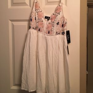 Lulu's Dresses & Skirts - White sun dress with floral embroidery!!