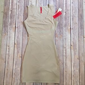 SPANX Other - Spanx Trust your thin-stincts full slip Small