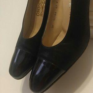 Salvatore Ferragamo Shoes - Salvatore Ferragmo Pump!