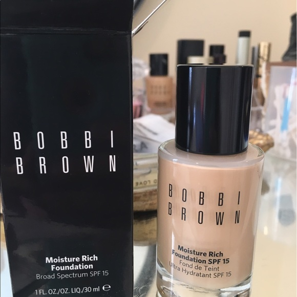 40% off Bobbi Brown Other - NIB Bobbi Brown Moisture Rich Foundation from Audrey's closet on ...