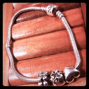NWT Sterling Silver Pandora Charm Bracelet46% off Pandora Jewelry - NWT Sterling Silver Pandora Charm Bracelet from Carol's closet on Poshmark - 웹