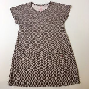 Pink Chicken Other - Pink Chicken Zig Zag Pattern Dress Size 9/10