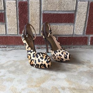 L.A.M.B. Shoes - Gorgeous Leopard 👠!