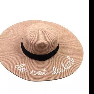 Accessories - Big floppy shaw beach hat do not disturb