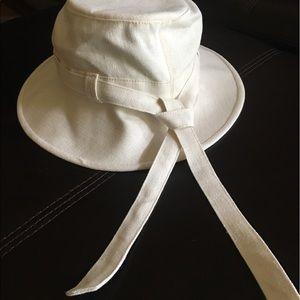 Tilley Accessories - Tilley TH9 Women s Hemp Hat -NWOT 75ecc57ea96