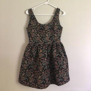 Forever 21 Dresses & Skirts - Floral Brocade Dress