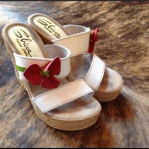 Sbicca Shoes - 🌺POPPY WEDGES, STAND WITH DOROTHY IN POPPIES👧🏻