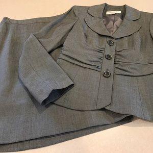 Jones New York Other - 🎀2pc. Skirt & Blazer set🎀