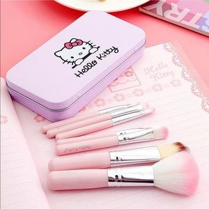 Hello Kitty Other - Hello kitty makeup brush set NEW in box