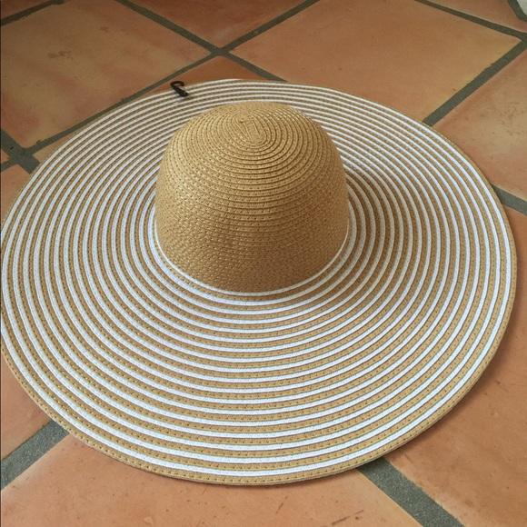 6be62fdff076a8 Ellen Tracy Accessories   Trendy Sun Hat   Poshmark
