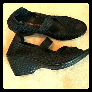 bernie mev. Shoes - Woven wedge sandals by bernie mev.
