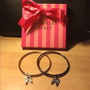 Victoria's Secret Jewelry - 💥One Day Sale💥Victoria's Secret Bracelets