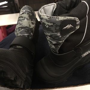 Tundra Other - Tundra snow boots