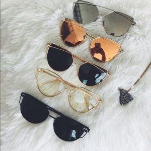 Accessories - 🌙Silver Mirrored Cat Eye Aviator Sunnies🌙
