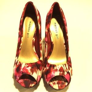 Madden Girl Shoes - GENTLY USED MADDEN GIRL PUMPS