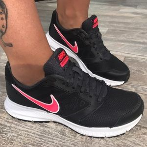 Nike Shoes - Downshifter Wide🐞Nike ..New Running