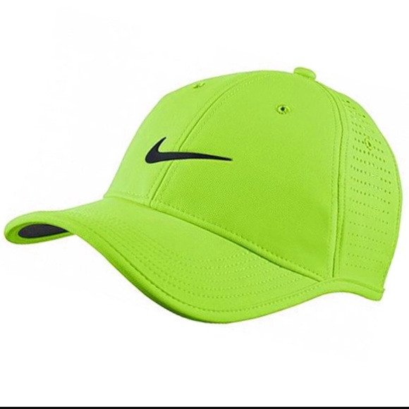 9c37dd5890c05 Nike Ultralight Tour Perforated Golf Hat OSFA