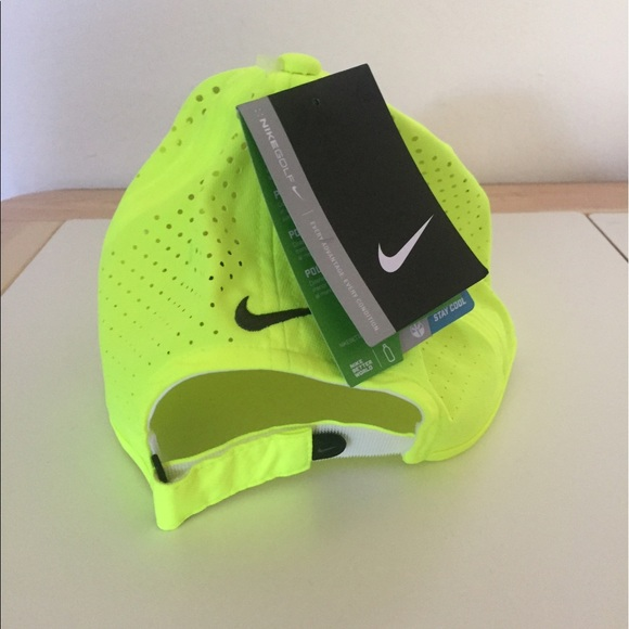 Nike Ultralight Tour Perforated Cap