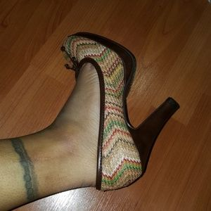 Unlisted Shoes - 💛NWOT, UNLISTED MULTI-COLOR HEELS