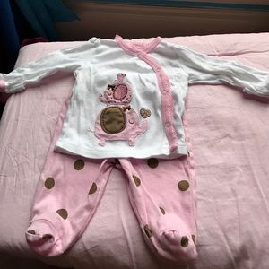 Gerber Other - Beautiful baby girl outfit!