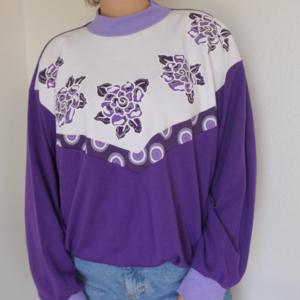 Vintage pullover sweatshirt