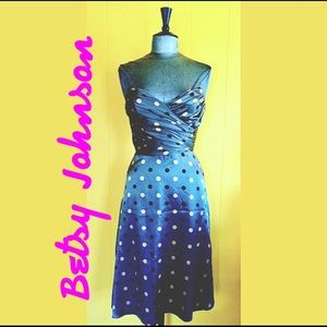 Betsey Johnson Dresses & Skirts - Betsy Johnson Silk Charmeuse polka-dot Dress 👗