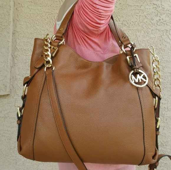 f5f53fc9dfc2 MICHAEL KORS BROWN LEATHER TRISTAN SHOULDER PURSE.  M_5914f7ab4225be115801c5b9