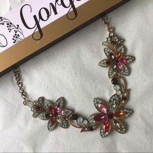 Karen1177 Jewelry - New 🌺 Floral Statement Necklace🌺