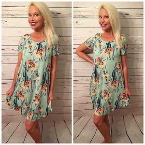 HP 🎉Beautiful 🎉cactus 🌵and floral dress