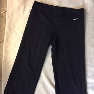NIKE DRI Fit Cropped Pants
