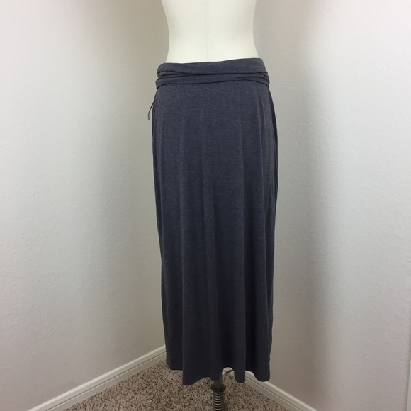 new season reasonable price factory outlet Old Navy charcoal gray maxi skirt in jersey fabric NWT