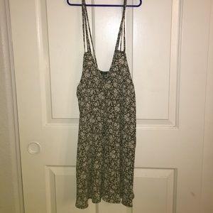 Brandy Melville Dresses & Skirts - Floral brandy Melville dress
