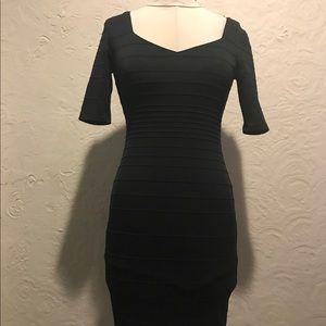 Bisou Bisou Black 3/4 sleeve dress