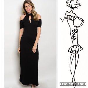 1 Left! Sale!🔥Maxi Black Dress w/Cold Shoulders