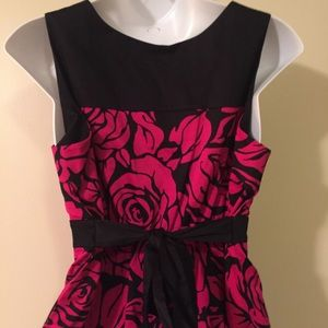 Motherhood Maternity Dresses - Motherhood Maternity dress size large NWT