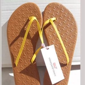 Vineyard Vines Shoes - Vineyard Vines Embossed Lea Slip On Sandals Sz 10