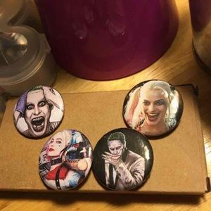 Accessories - Suicide squad buttons