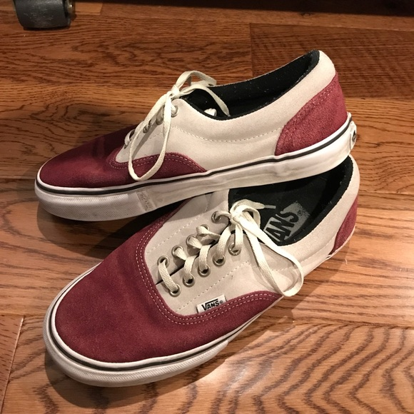 25f04e6ca6 Vans Era Classic Two Tone Red   Cream Size 8M. M 59156fa64e8d177bcd052d47
