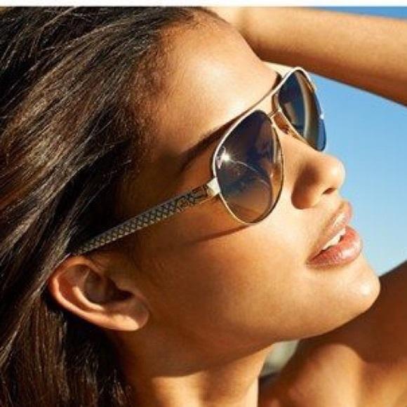 ef031e7b72a36 Gucci Accessories - Gucci Women s GG 4239 Aviators sunglasses 😎