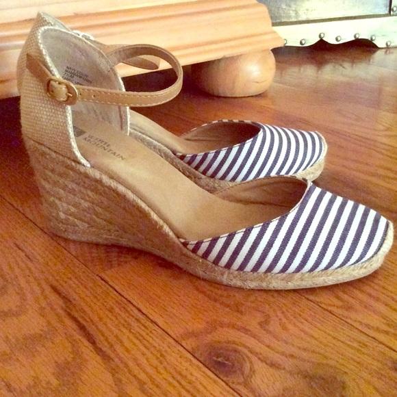 White Mountain Shoes Wedge Blue White Espadrilles 75