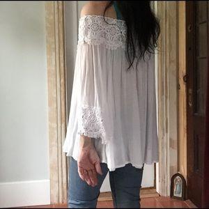 Kimchi Blue Tops - 🌷🎉2x HP gorgeous kimchi white blouse