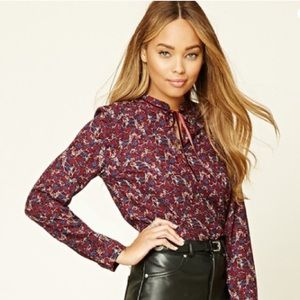 NWT Button Front Floral Top Small Burgundy & Navy