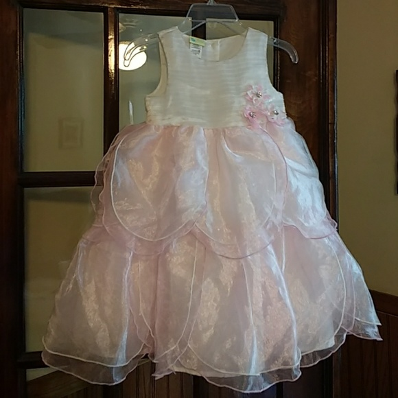 Girls Smocked and Appliqued Childrens Clothing, Bubbles,Bishop Dresses,Swimsuits, Matching Sets, Baby, Toddler, Southern, Classic, Preppy Easter, Sibling, Coordinating.
