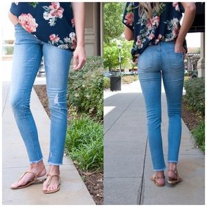 ❗️CLOSING SALE❗️Arctic Blue Skinny Ankle Jeans