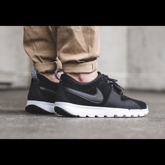 brand new 68c06 dd1a7 Men s Nike SB Trainerendor Leather NEW 806309 002