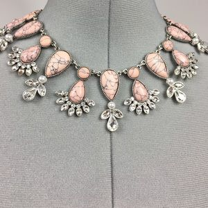 Cocoa Jewelry Jewelry - 🆕RARE Cocoa>Stunning blush royalty necklace