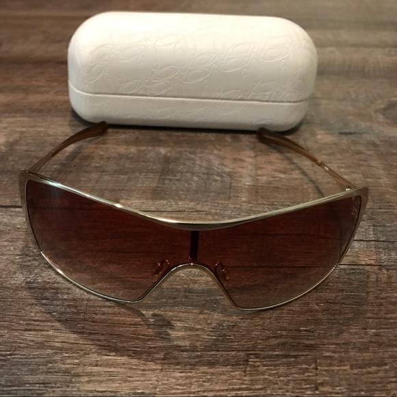 4a16af6ec8 Oakley Dart Sunglasses. M 5915f65036d594a7a406c796