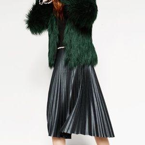 🆕Zara Pleated skirt