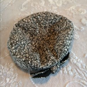 Preston & York Accessories - Preston & York Boucle Beret Hat with bow